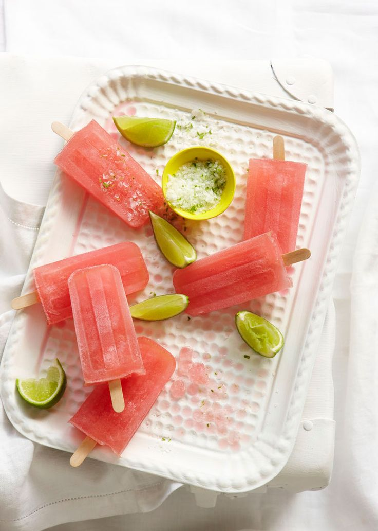L'été approche à grands pas et l'envie de se rafraîchir en mangeant des glaces aussi. Mais plutôt que de les acheter, pourquoi ne pas les faire vous-même ? ;)Les glaces font partie intégrante de l'alimentation de la saison estivale c'est bi...