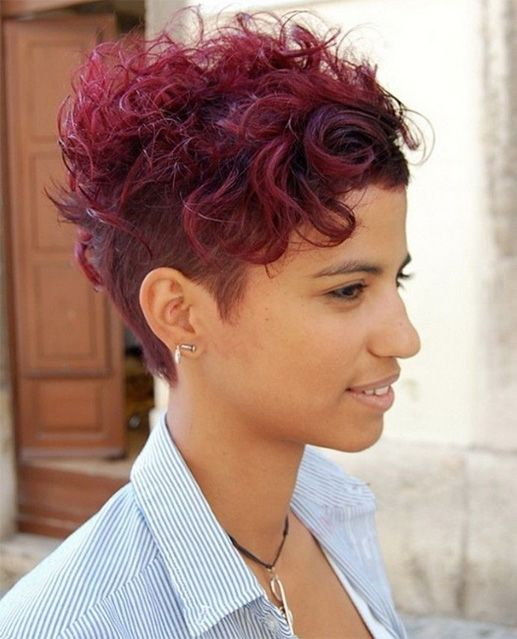 Pretty Short Curly Hairstyles for Women