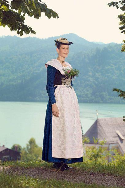 """Miesbacher Tracht © Gestalten Verlag Themen: BUCHTIPPS, BILDBÄNDE, FOTOGRAFIE """"Trachten""""-Bildband von Gregor Hohenberg: Regionale Haute Couture - VOGUE"""