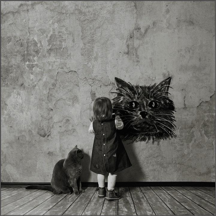 Rus fotoğrafçı Andy Prokh, kızı Katherine ve kedi LiLu arasındaki sevimli dostluğu siyah beyaz olarak fotoğraflamış. Bu dostluk, insanı her karede gülümsetiyor :)