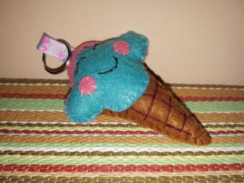 Handmade ice-cream shaped felt keychain affordable gift for her, gift for friend