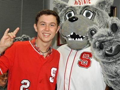 Scotty McCreery is a Wolfpacker - NC State