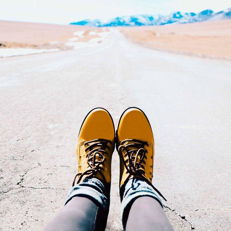 Descubra tudo sobre os melhores passeios do Atacama entre cenas saturadas de lagoas, vulcões, salares e rica vida animal e vegetal