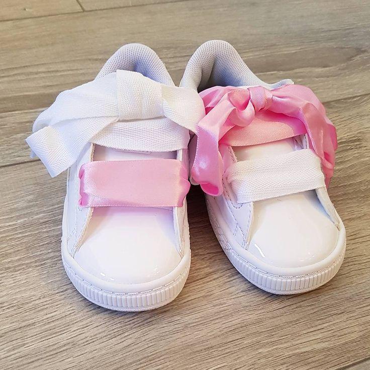 Baby, Baby  La Basket Puma Heart Baby Blanche est en ligne !!!! Et bien sûr, on craque pour les lacets roses en satin !  FAN ? #shoes #kids #puma #chaussures #cute #enfant #child #chaussuresonline #pink #mignon #fashion #style #ootd #look #heart #pumaheart #mode #bebe #baby #photo #shooting