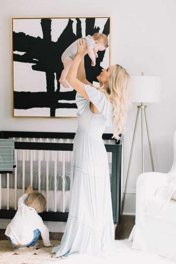 Modern black and white nursery: http://www.stylemepretty.com/living/2017/01/09/a-crazy-chic-nursery-for-emily-maynards-newest-bundle-of-joy/ Photography: Allison Kuhn - http://www.allisonkuhnphotography.com/