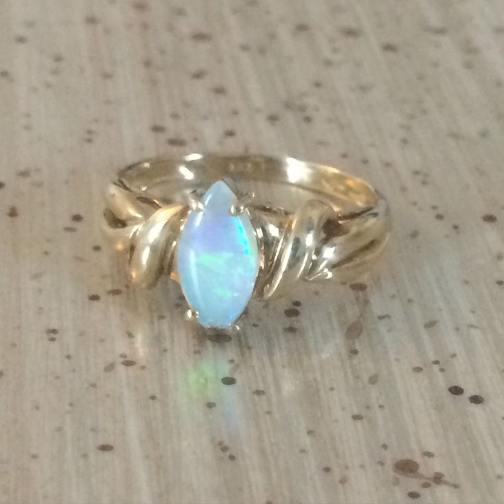 Love this #opal ring (perfect for all those #October babes) available on #etsy soon #vintageprettythings #vintageprettyrings #vintageprettypins