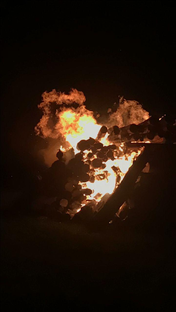 Le feu de St-Jean Baptiste à Port-Meunier petit village Anticosti