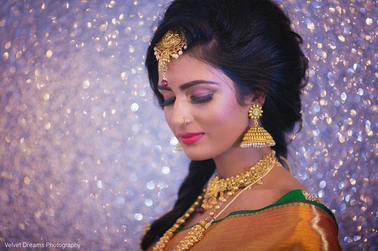 Introducing ~ Modern Elavarasi  Jewellery: @aknjewellery MUA: @sujeemakeup Photography: @velvetdreamsphotography Saree: @va_di_vu #wedding #saree #weddingsaree #hinduwedding #red #weddingbells #instatoday #instamood #instawedding #tamil #tamilgirl #beauty #traditional #asian #southasian #southasianwedding #hindu