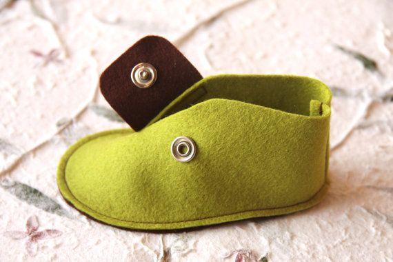 BABY FELT SHOES Boy and Girl - Newborn also available - Green and Brown 100% Wool Felt shoes