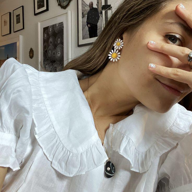 Jenny Walton Double Daisy Earrings | Daisy earrings, Style