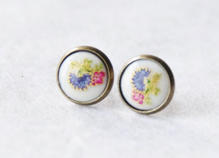 Tiny Flower Stud Earrings * Floral Cameo Stud Earrings * Asian Flower Studs * Vintage Flower Studs * Floral Earrings * Flower Cameo Studs by SmittenKittenKendall on Etsy