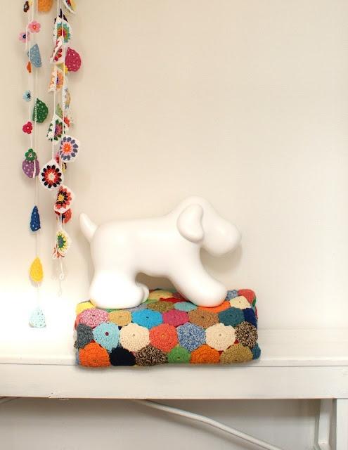 crochet: Mobile Hook, Crochet Buntings, Crochet Blankets, Crochet Fun, The Chair, Baby Mobiles, Crochet Guirland, Silla Turquesa, Crochet Garlands