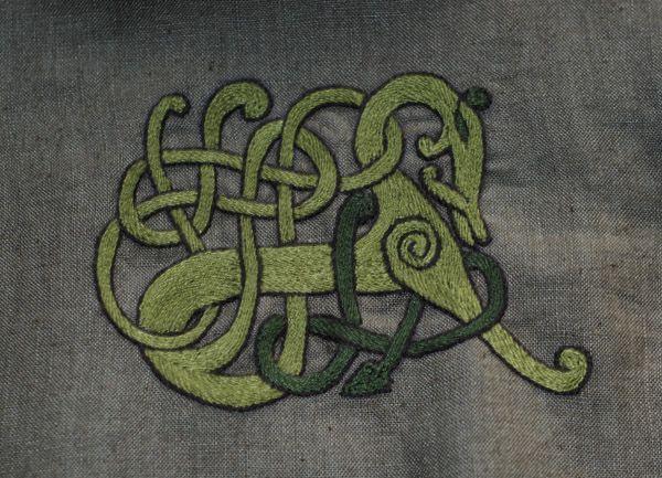 25+ Best Viking Embroidery Ideas On Pinterest | Chain Stitch Embroidery Embroidery Stitches And ...
