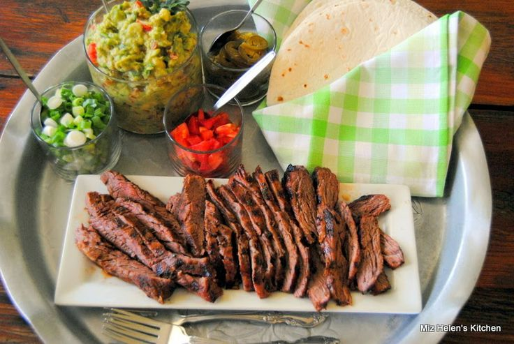 Miz Helen's Country Cottage: Carne Asada