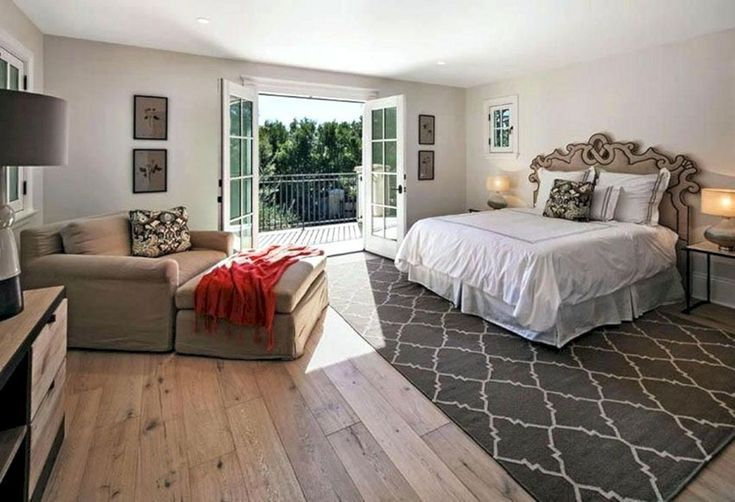 17 Outstanding Wood Bedroom Floor Design Ideas That Look More Beautiful In 2020 Bedroom Flooring Options Bedroom Wood Floor Master Bedroom Flooring Ideas