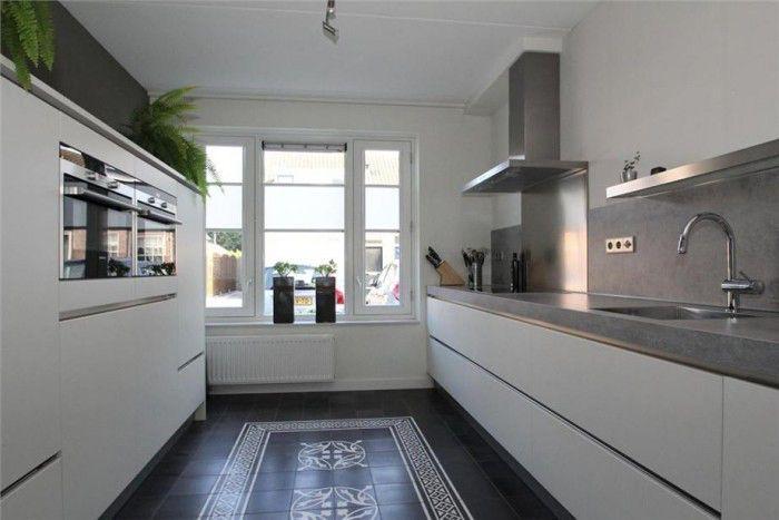 Afbeelding van http://cdn3.welke.nl/photo/scale-700xauto-wit/mooie-rechte-parallel-keuken.1380219445-van-DAB.jpeg.