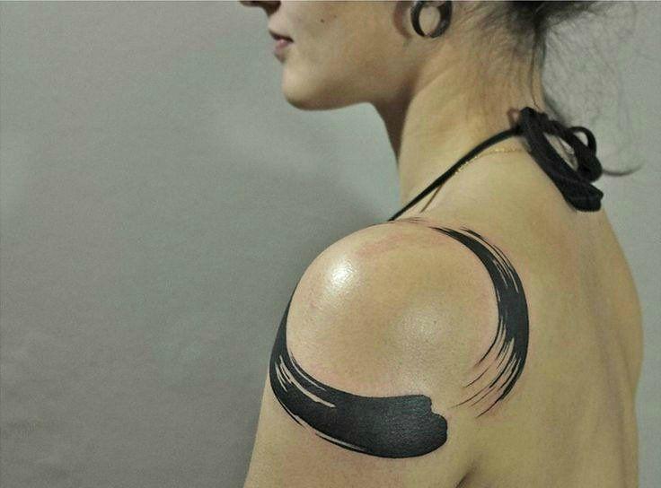 enso tatuaje hombro