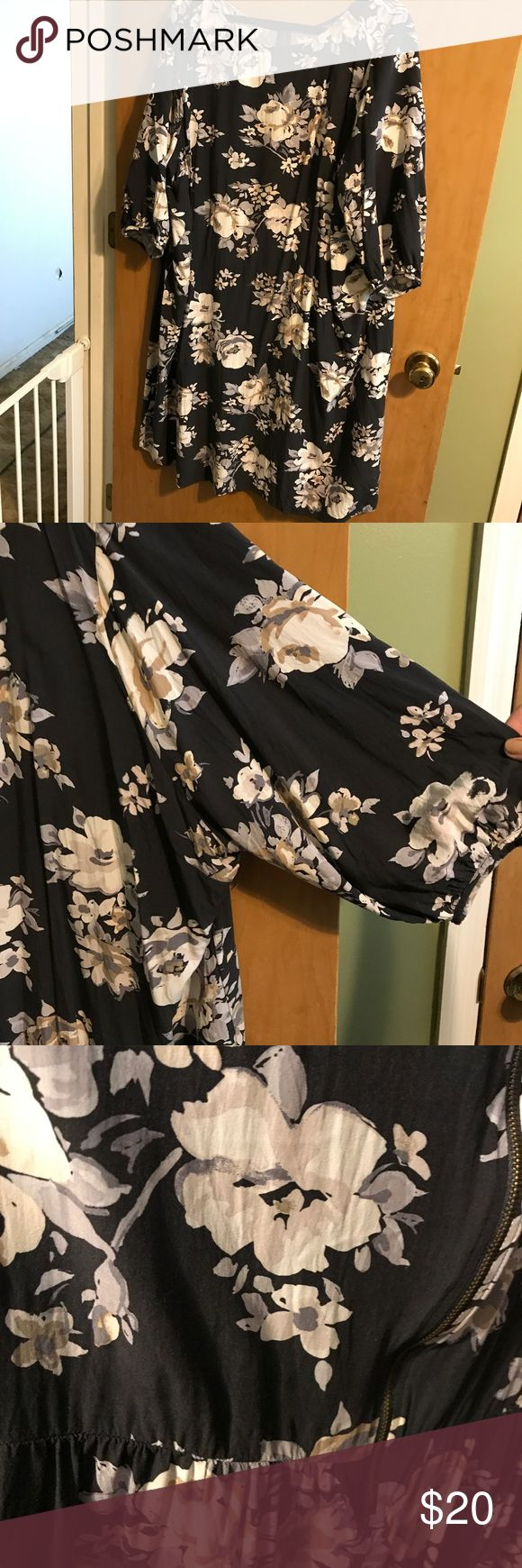 Black floral dress, old navy/gap, size 4X Super cute dress, fitted, pleats in back for shaping, romantic gathered sleeves. Would be super cute with leggings and boots for fall. Great early fall piece when worn solo. Dress it up with jewelry and feels or dress it down for a casual weekend look. Old Navy Dresses Mini