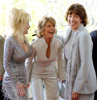 Dolly Parton with Lily Tomlin and Jane Fonda - still havin' fun