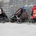 Jednym z najdroższych elementów wyprawki jest wózek. Dobrze, by przed zakupem dokładnie zapoznać się z propozycjami producentów i wybrać taki wózek, który będzie wygodny zarówno dla dziecka, jak i nas samych.Jeszcze kilka lat temu wózek dla dziecka był podstawowym elementem wyprawki. Dziś coraz modniejsze są specjalne chusty, które niektórym mamą ...