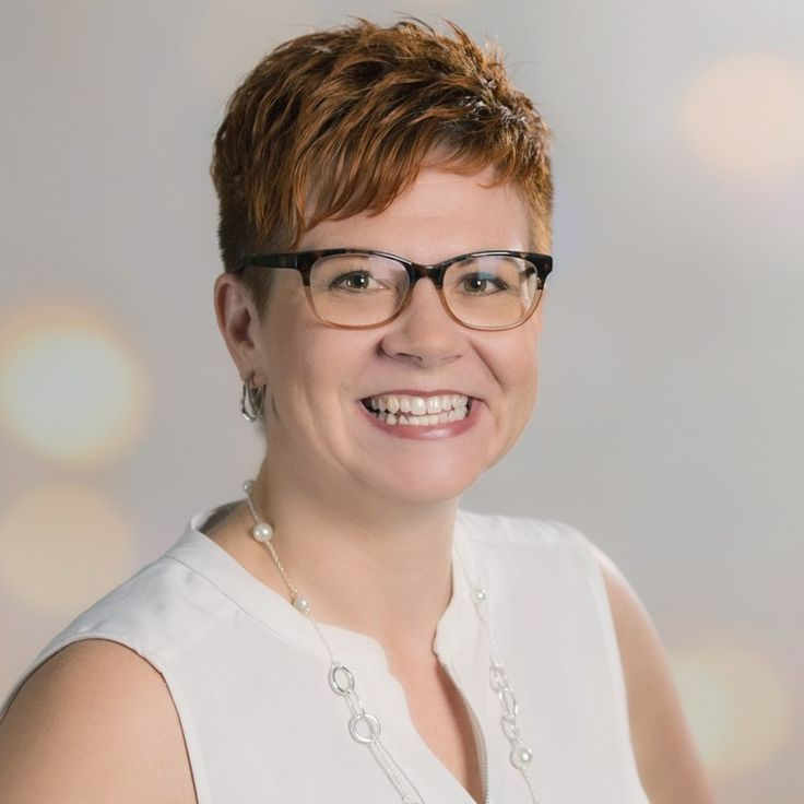 Andrea Braun, Registed Dietitian Winnipeg Nutritionist. Andrea Bruan is a registered dietitian at A Little Nutrition Winnipeg Dietitian and Nutrition Services.