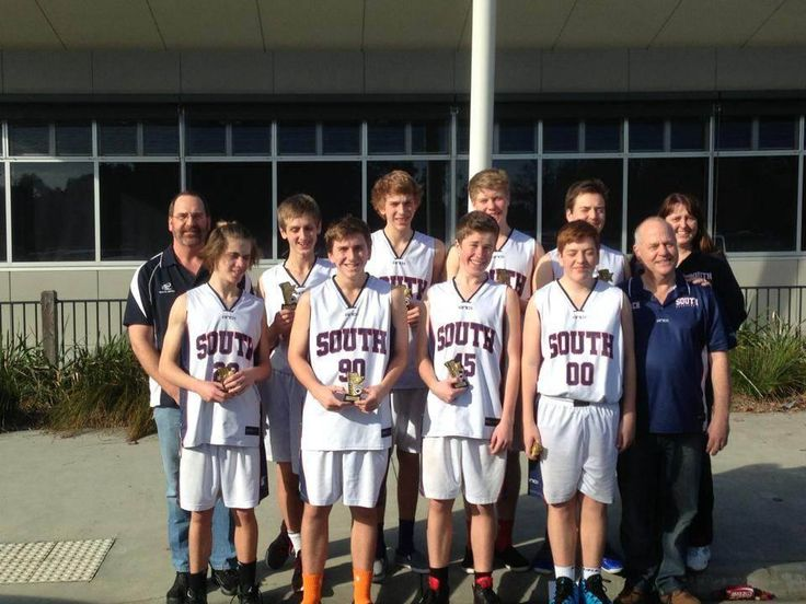 U/18.4 Boys came away Runners-up from the June long weekend.