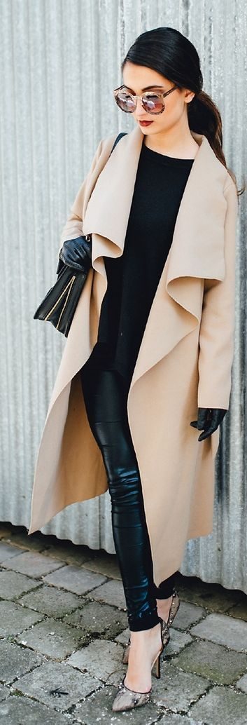 Street style | Leather pants and gloves and cream wrap coat