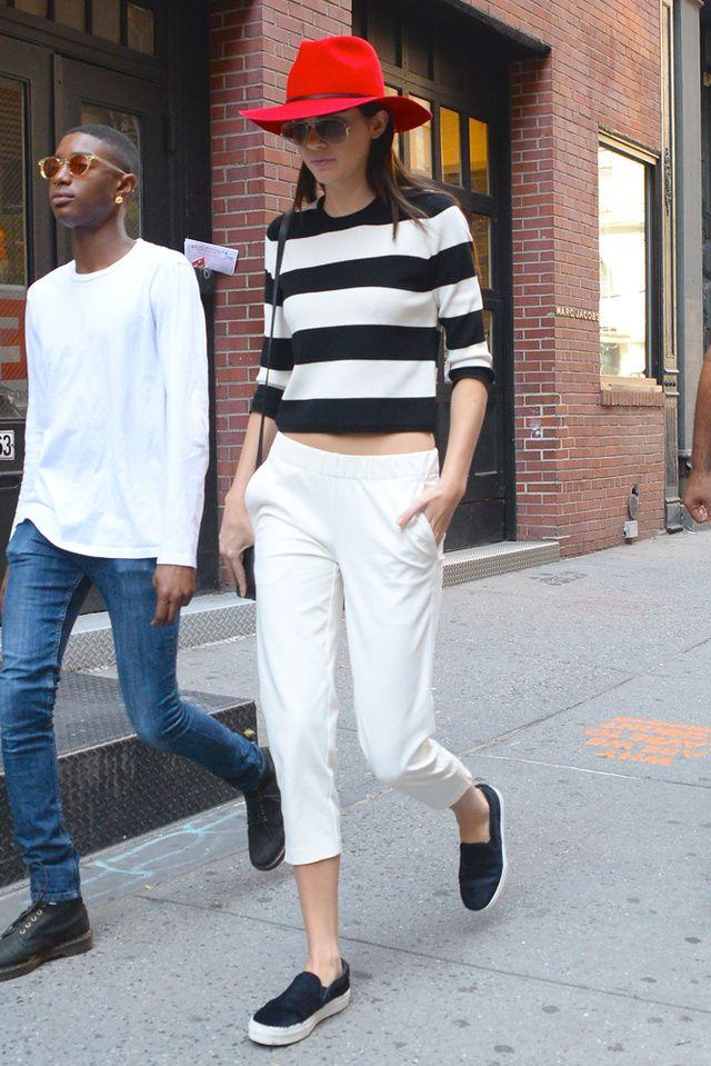 Saltó a la fama por ser parte de la familia Kardashian-Jenner, pero esta chica ha sabido abrirse paso en el mundo de la moda por sí sola. ¡Su belleza y estilo son todo un referente!