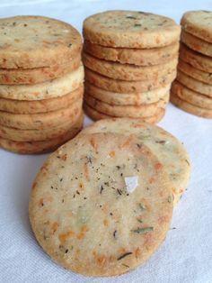 Galletas mediterraneas: #queso parmesano, tomillo y romero #hierbas