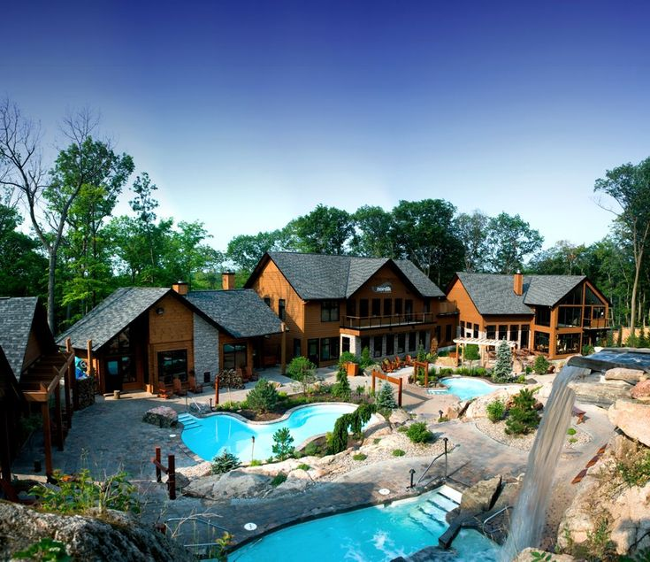 Can you imagine getting away from all the noise in the city and relaxing here, at Nordik spa, Quebec for a few weeks? Wow, soothing!