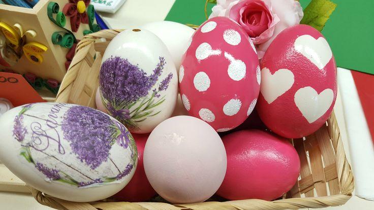 Decorazione pasquale uovo vero con acrilici e decorazione a pois #2