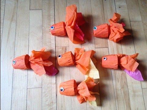 crepepapier, danoontje, boterhamzaksluitertjes en oogjes DIY goldfish craft #2