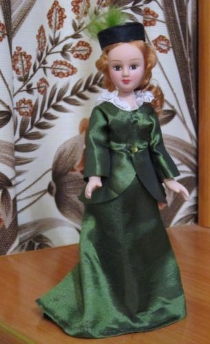 Gwendolen-Harlet-Daniel-Deronda-DeAgostini-porcelain-doll