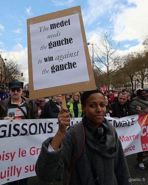 2016-03-09 #France #Paris Raffarinade #LoiTravail #LoiTravailNonMerci #OnVautMieuxQueCa #LoiElKhomri #manifestation #photojournalism #report #street #portrait #politics #social #society #urban #demonstration (à Boulevard Voltaire Paris 11ème)