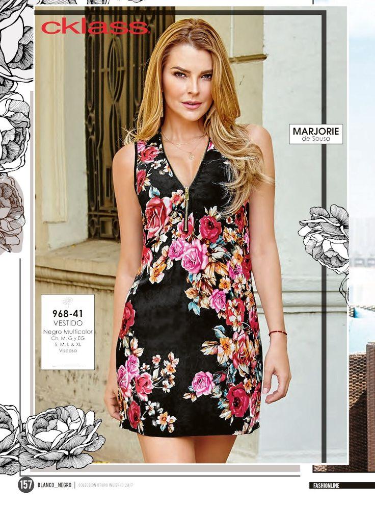 Sexy vestido corto con estampado de flores. Look juvenil casual de Marjorie de Sousa Estrella Cklass