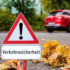 Verkehrssicherheitsrat fördert wissenschaftlichen Nachwuchs Auch 2017 will der Deutsche Verkehrssicherheitsrat (DVR) mit einem Förderpreis dazu beitragen, die Kooperation zwischen Forschung und Praxis enger zu verzahnen. Daher hat der DVR zusammen mit der Friedrich-Schiller-Universität Jena einen Wettbewerb für Hochschulabsolventen ausgeschrieben, der dazu beitragen soll, die Sicherheit im Straßenverkehr weiter zu erhöhen.