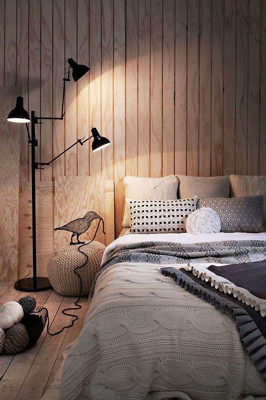Фотография: Спальня в стиле Современный, Лофт, Декор интерьера, Декор дома, ретро-интерьер, доски в интерьере, старые доски, старые доски в интерьере – фото на InMyRoom.ru