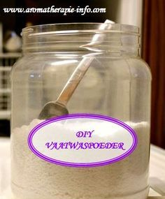 Maak je eigen vaatwastabletten of poeder met een simpel recept. Goedkoper en beter voor het milieu. www.hulpstudent.nl