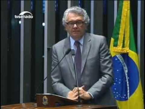 Aloísio Nunes, caridade começa em casa! Não a lei de imigração! - YouTube