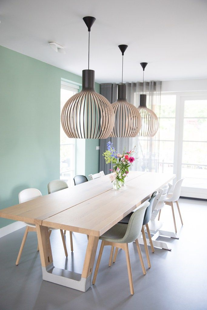 Color of dining room table
