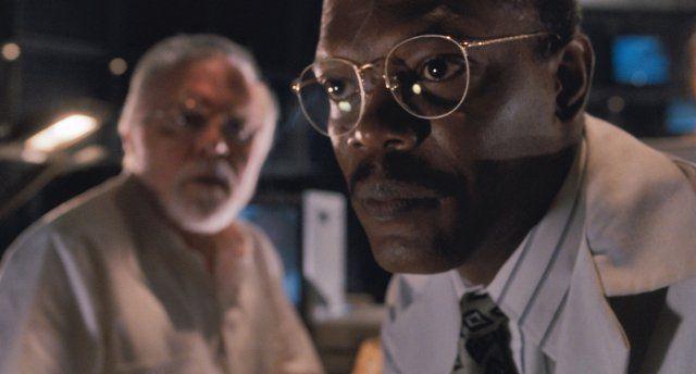Still of Samuel L. Jackson and Richard Attenborough in Jurassic Park
