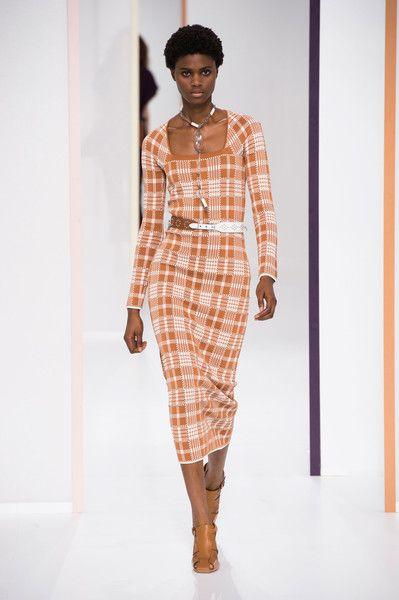Hermès at Paris Fashion Week Spring 2018 - Runway Photos