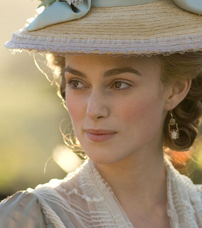 Keira Knightley -  a modern beauty/ The Duchess