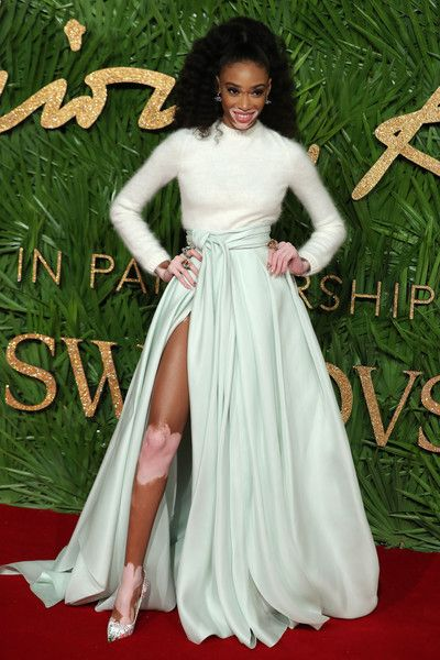 Fashion entrepreneur Dame Natalie Sara Massenet, DBE poses on the red carpet upon arrival to attend the British Fashion Awards 2017 in London on December 4, 2017. / AFP PHOTO / DANIEL LEAL-OLIVAS
