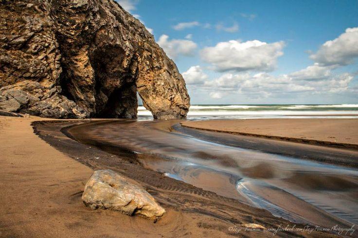 Praia da Adraga, Sintra - Portugal  ©Tozé Fonseca | www.facebook.com/TozeFonsecaPhotography  A Praia da Adraga é uma praia situada no concelho de Sintra, perto de Colares e de Almoçageme, em Portugal, encontrando-se inserida no Parque natural de Sintra-Cascais.