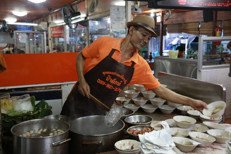 Boat Noodle Alley at Victory Monument