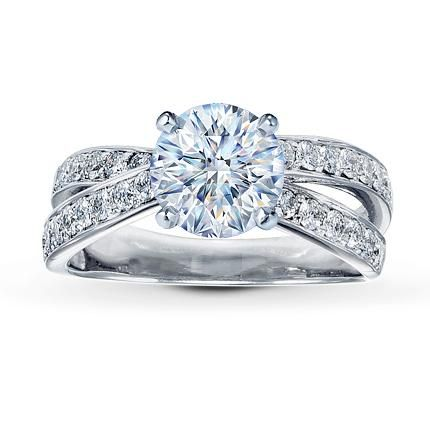 This criss cross setting with a radiant diamond would be perfect