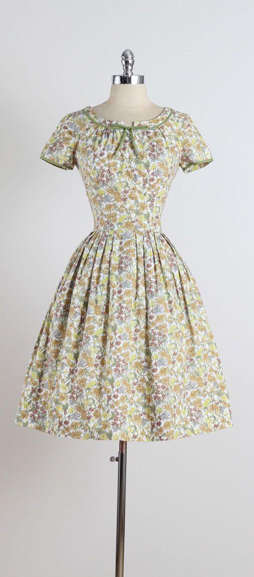 Mottey Meadow . vintage 1950s dress . by millstreetvintage