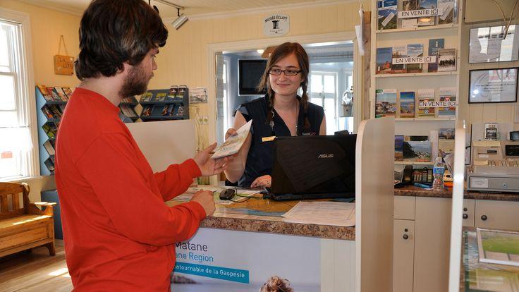 Services : un petit service, de l'argent liquide, voir un médecin ou se tenir au courant des dernières nouvelles, tous vos besoins peuvent être comblés lors de vos vacances en Gaspésie.