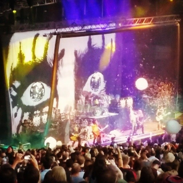 #AliceCooper and #MotleyCrue together at #shoreline amphitheater in #MountainView #California for one last time!  #RockOpera #RedefiningAudio just like #Korus #concert